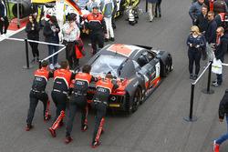 #1 Belgian Audi Club Team WRT, Audi R8 LMS: Laurens Vanthoor, Dries Vanthoor, Frederic Vervisch di grid
