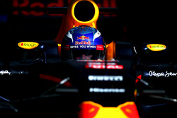 Max Verstappen, Red Bull Racing in de garage
