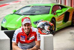 Stoner dan Dovizioso Kemudikan Lamborghini