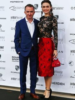 Падді Лоу, технічний директор Mercedes AMG F1 зі своєю жінкою Анною Даншіною під час Amber Lounge Fashion Show