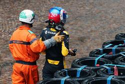 Jolyon Palmer, Renault Sport F1 Team va a sbattere durante la gara