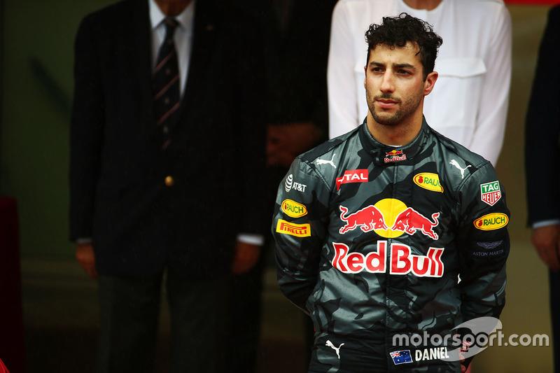 Podio: segundo lugar Daniel Ricciardo, Red Bull Racing