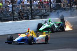 Crash: Sage Karam, Dreyer & Reinbold Racing Chevrolet