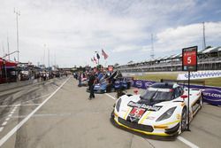 #5 Action Express Racing Corvette DP: Joao Barbosa, Christian Fittipaldi on the grid