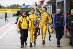Polesitter Nicky Catsburg, LADA Sport Rosneft, Lada Vesta; Hugo Valente, LADA Sport Rosneft, Lada Vesta