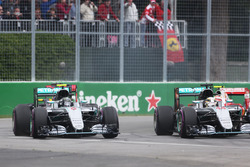(L to R): Nico Rosberg, Mercedes AMG F1 W07 Hybrid and team mate Lewis Hamilton, Mercedes AMG F1 W07 Hybrid at the start of the race
