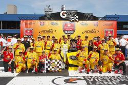 Pemenang lomba Joey Logano, Team Penske Ford