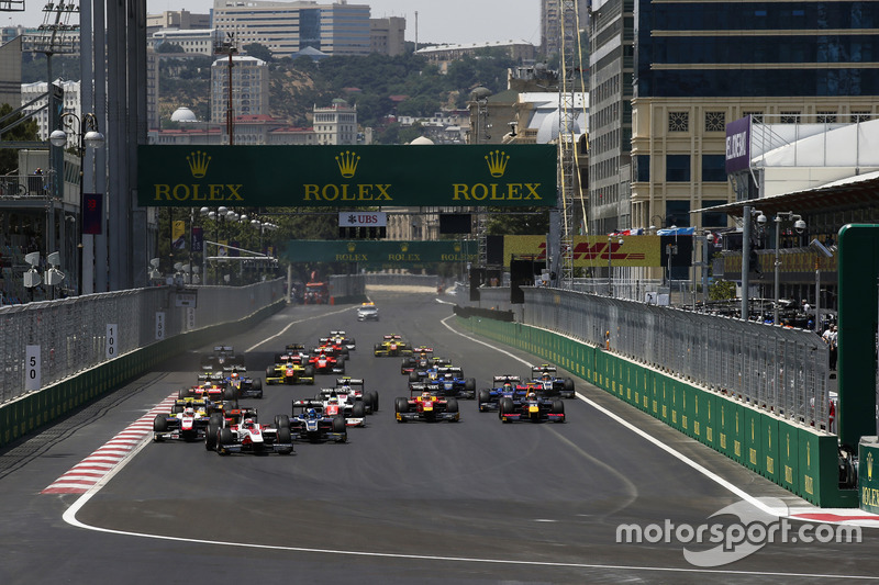 Nobuharu Matsushita, ART Grand Prix, leads Luca Ghiotto, Trident & Raffaele Marciello, RUSSIAN TIME at the start