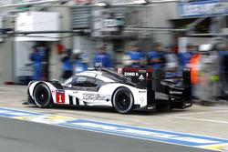 #1 Porsche Team Porsche 919 Hybrid: Timo Bernhard, Mark Webber, Brendon Hartley