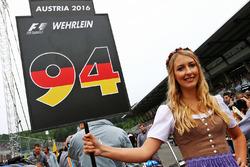 La grid girl di Pascal Wehrlein, Manor Racing
