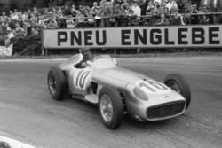 Хуан-Мануэль Фанхио, Mercedes-Benz W196 R
