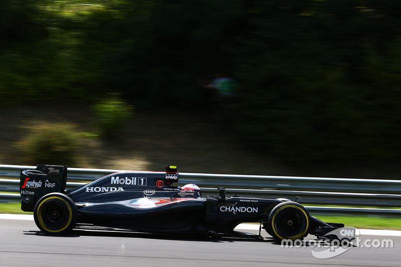 8. Jenson Button, McLaren MP4-31