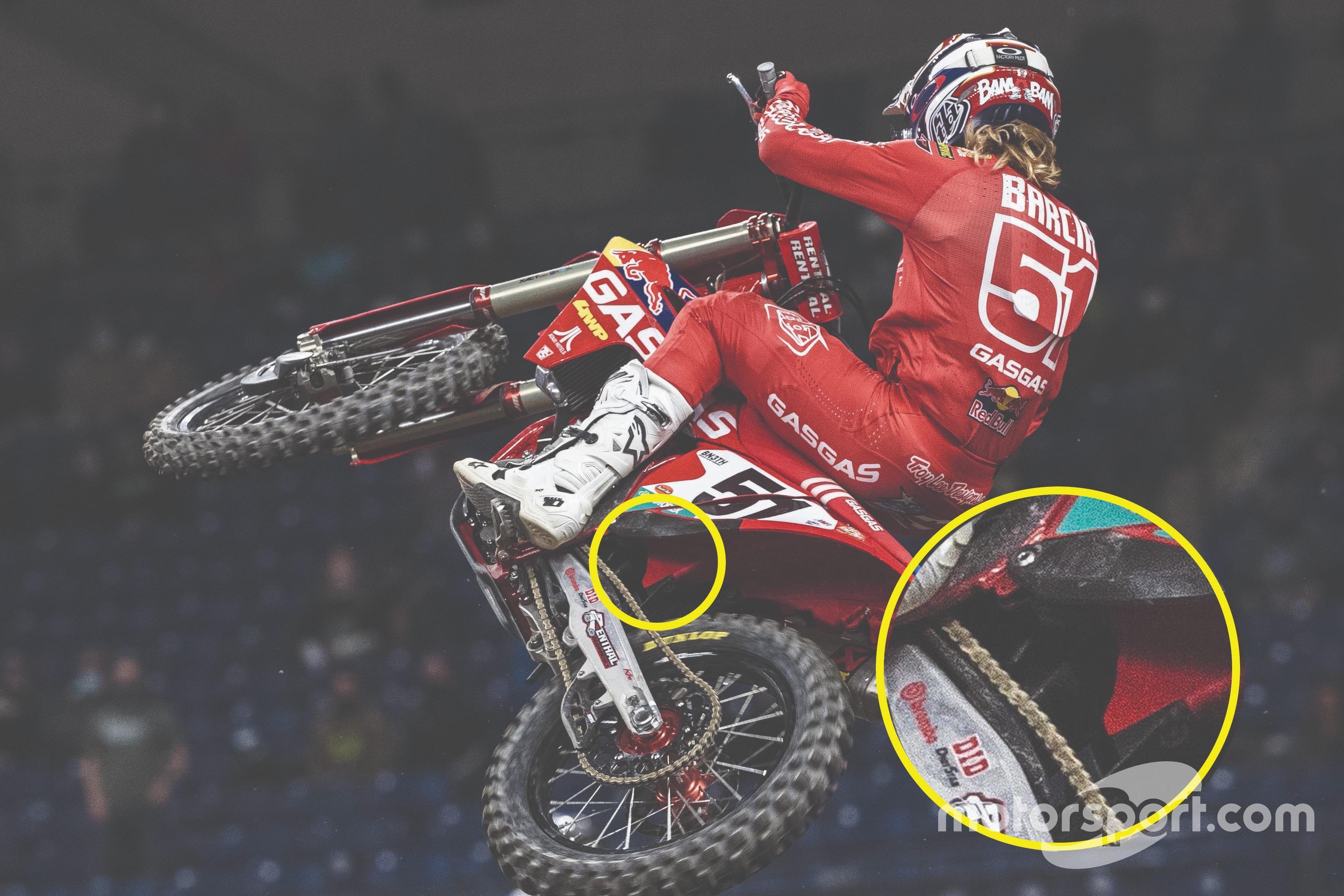 Justin Barcia en acción con, lo más claramente posible, el muelle neumático a la vista.