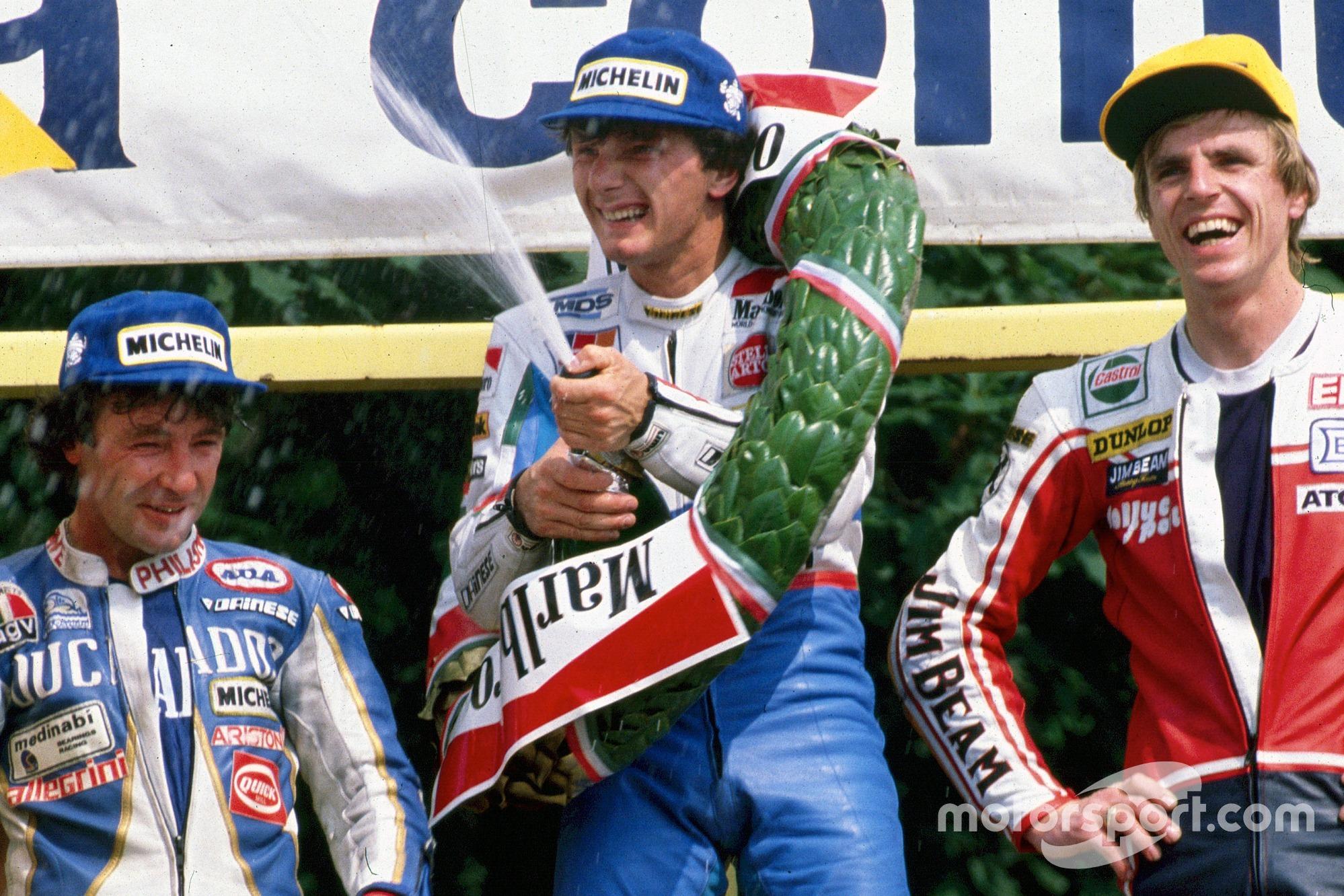 Fausto Gresini na een van zijn overwinningen in de 125cc-klasse