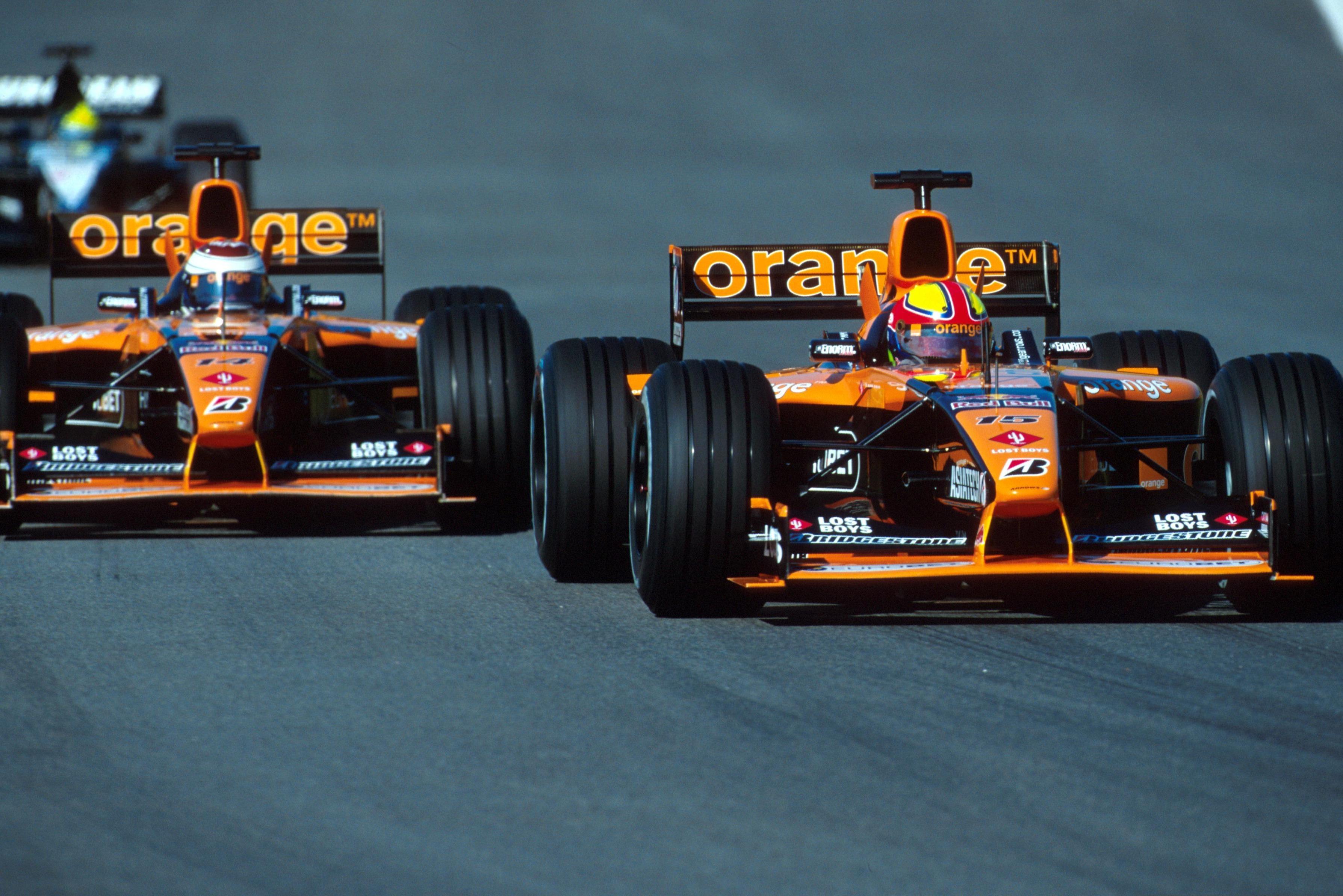 Enrique Bernoldi y Jos Verstappen en el GP de Brasil 2001.