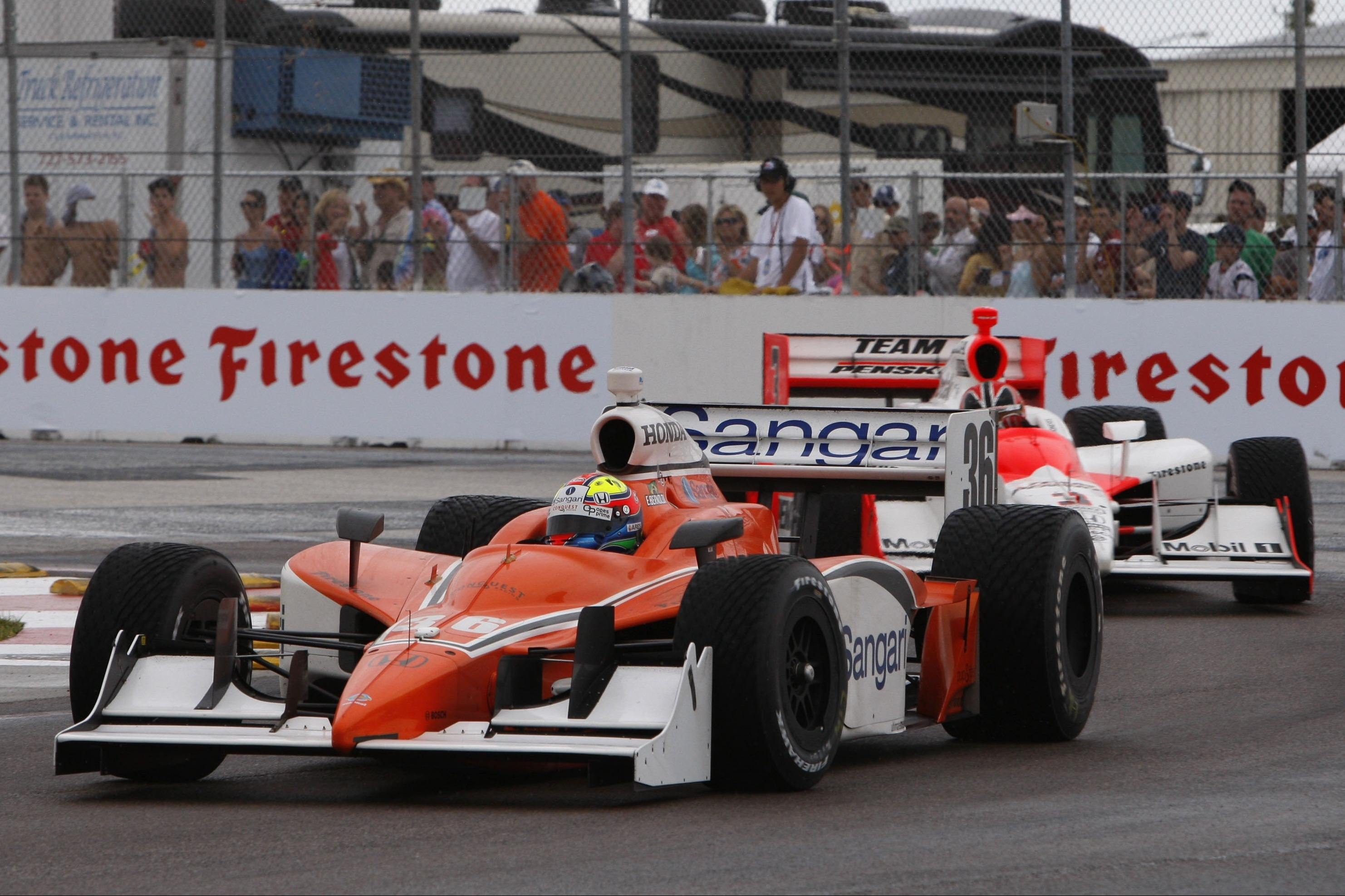 Enrique Bernoldi y Helio Castroneves en San Petersburgo 2008 con la IndyCar.
