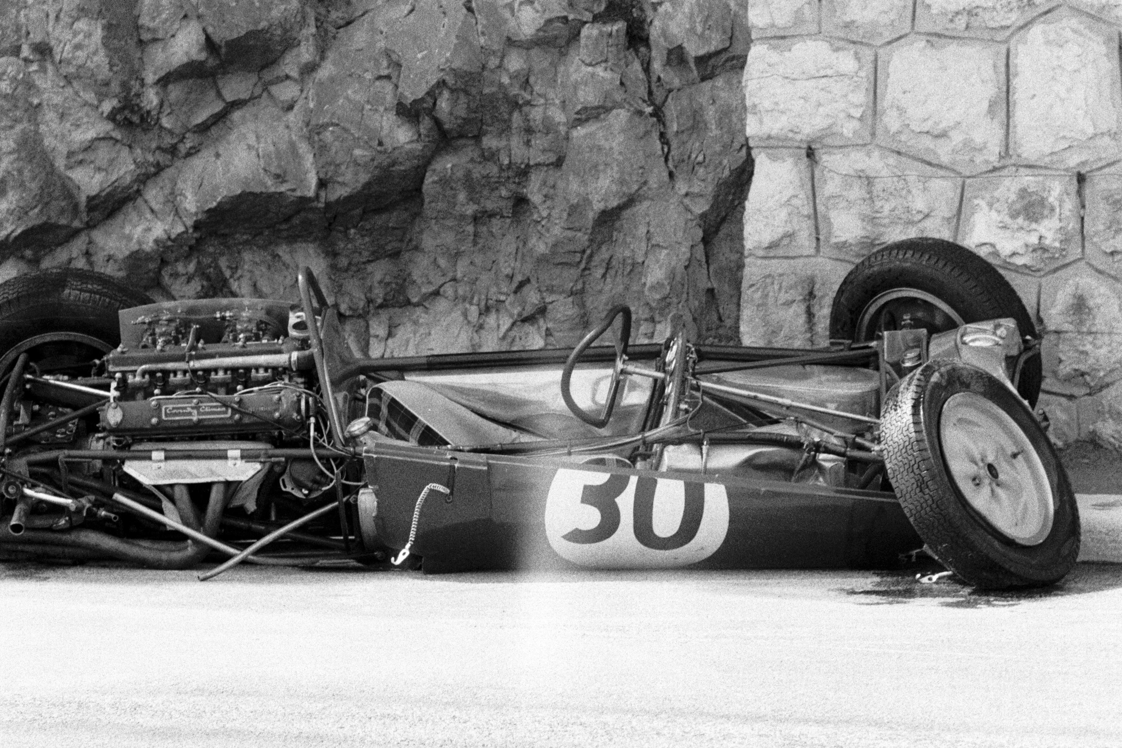 Innes Ireland Monaco 1961 crash