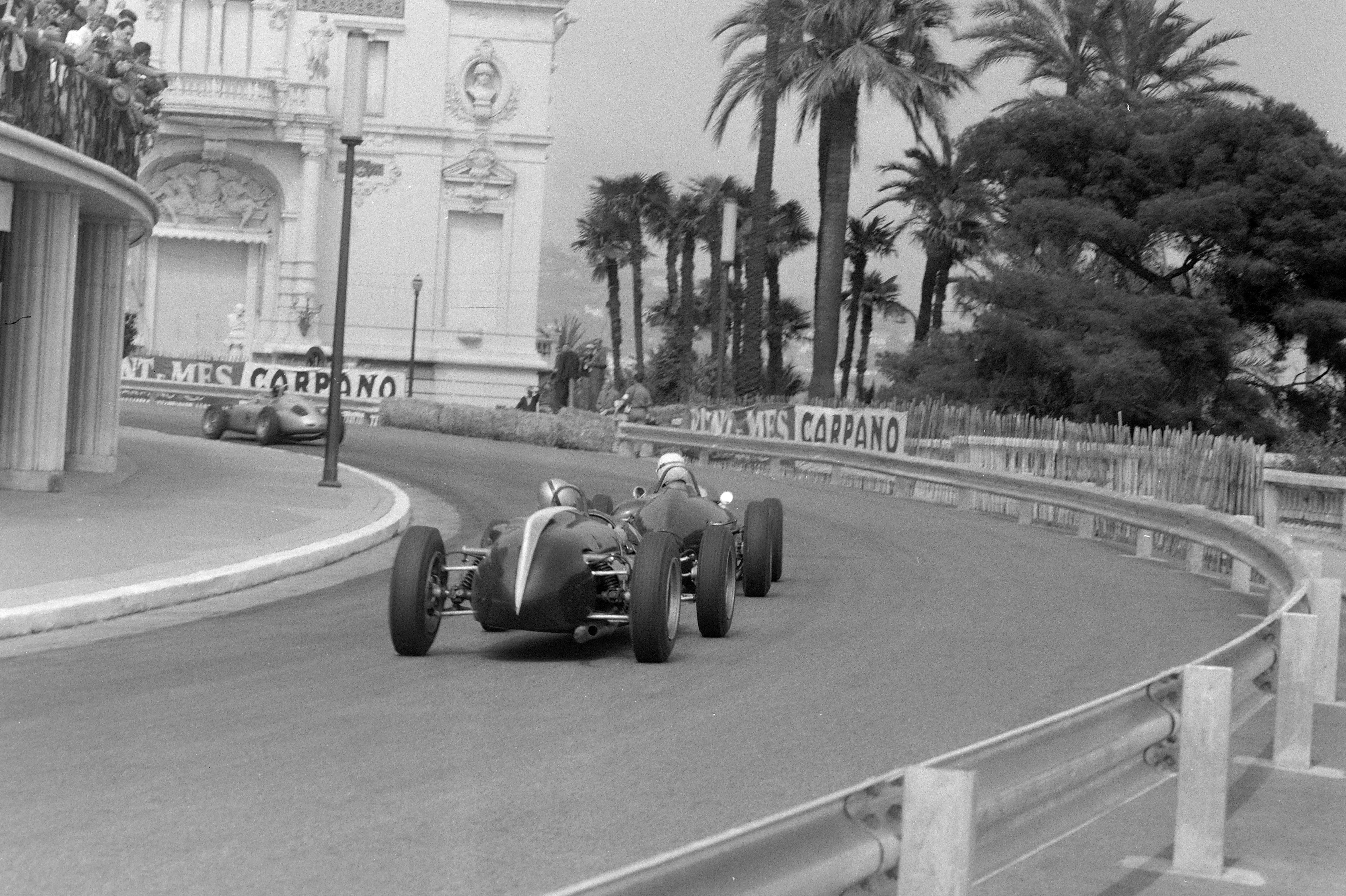 Brooks chases Gurney, 1961 Monaco GP