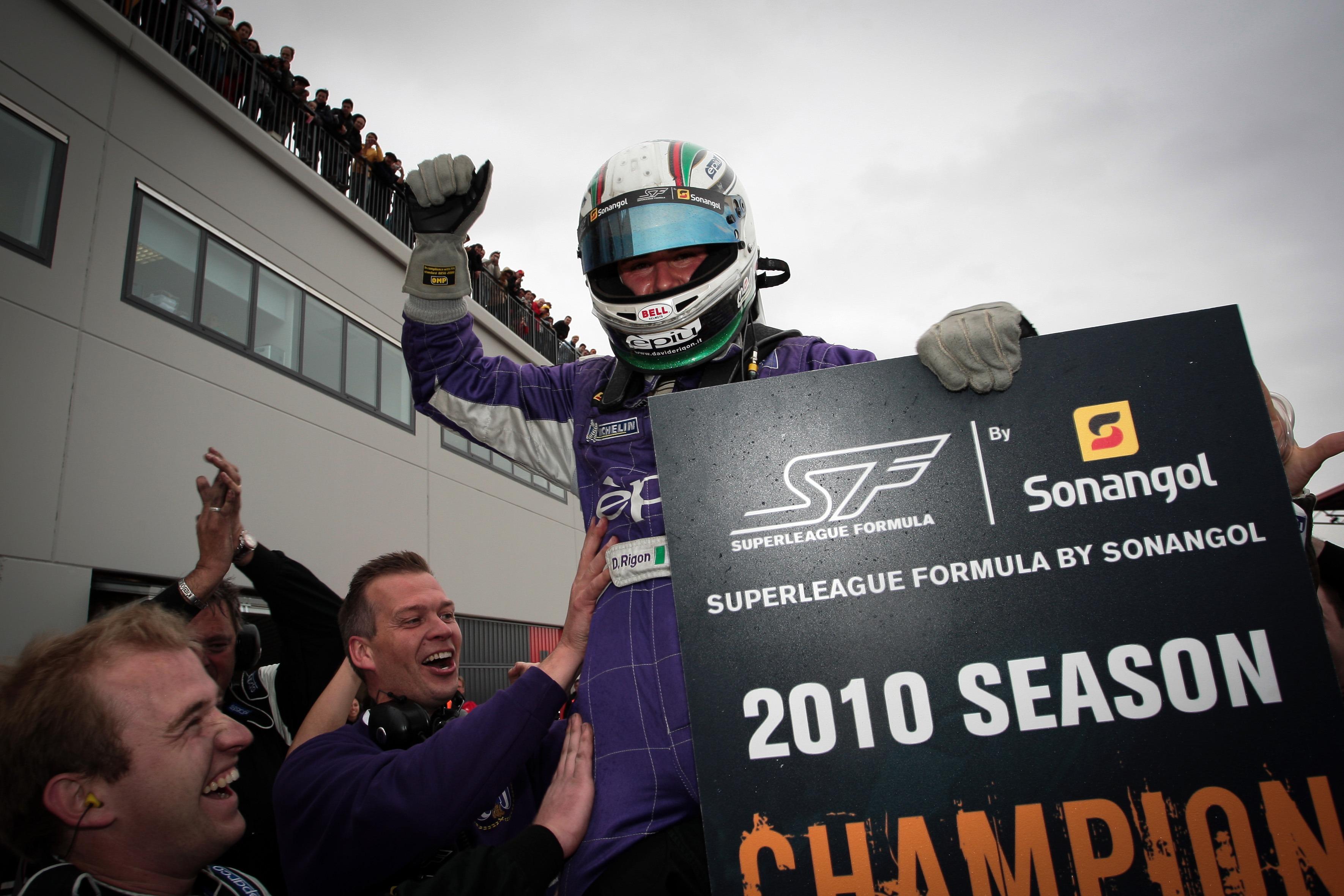 Davide Rigon celebrates winning the 2010 title in Navarra