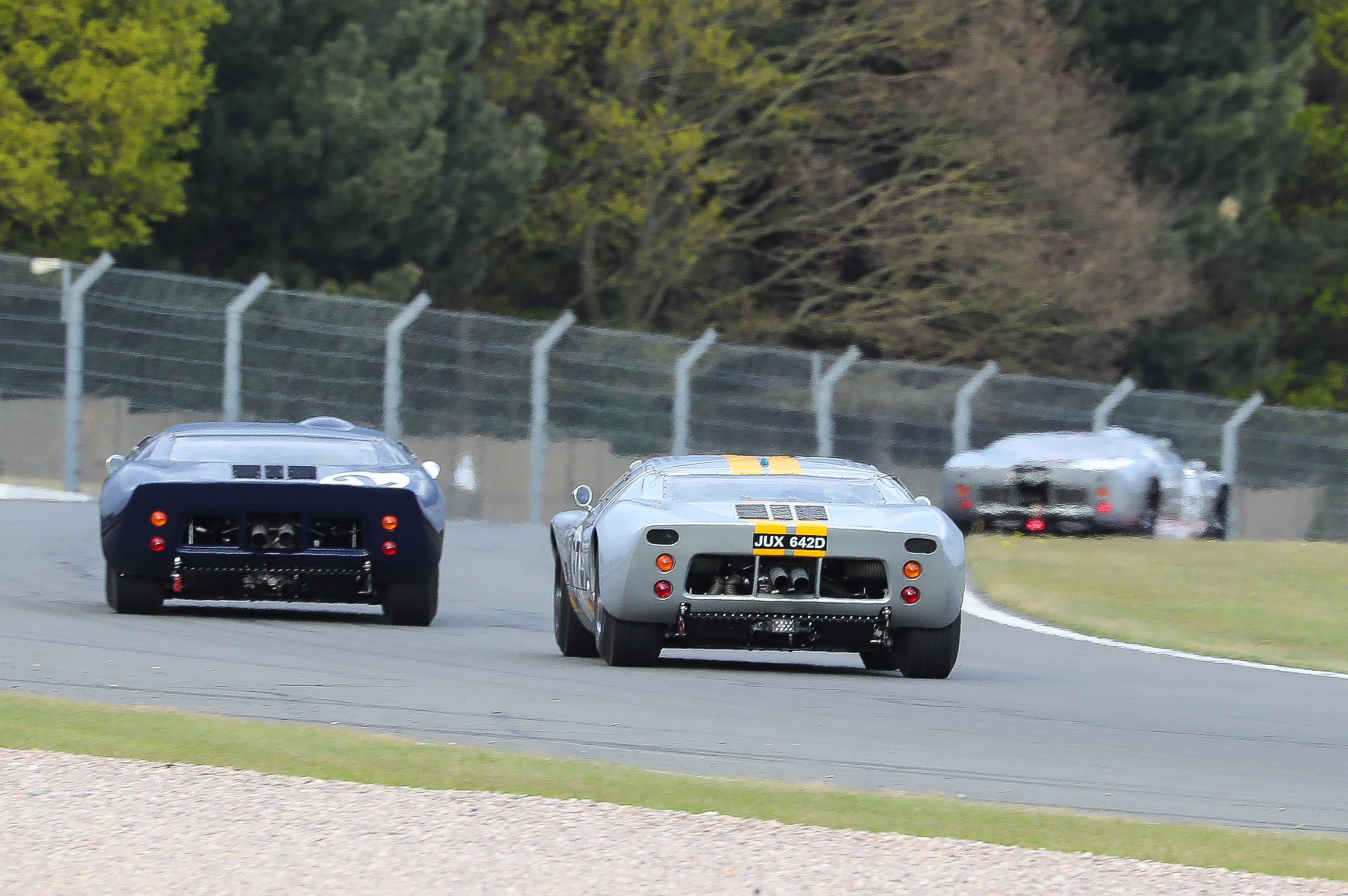 GT40s in action in Amon Cup at Donington Historic Festival