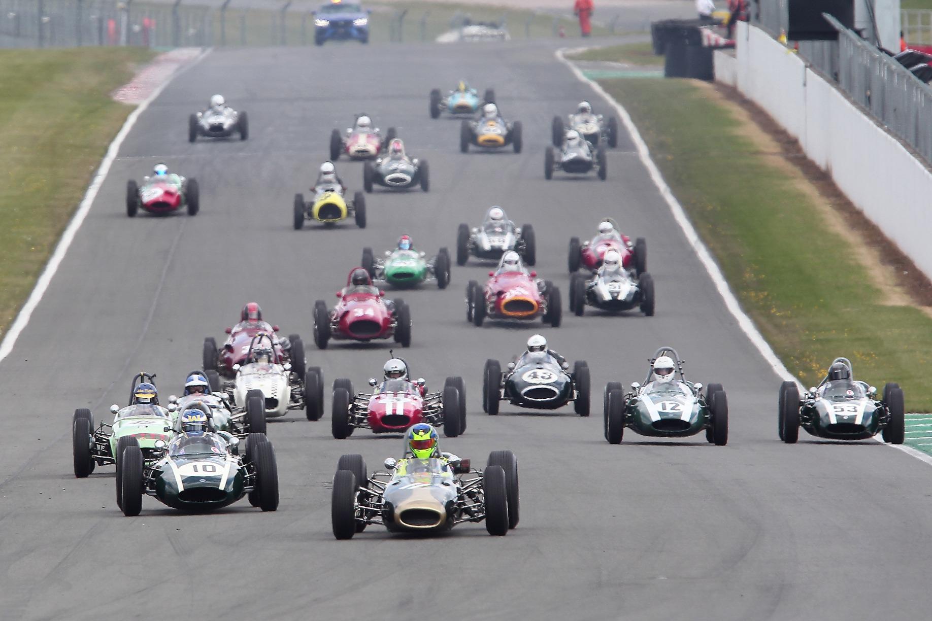 Pre-66 GP cars start, Donington Historic Festival