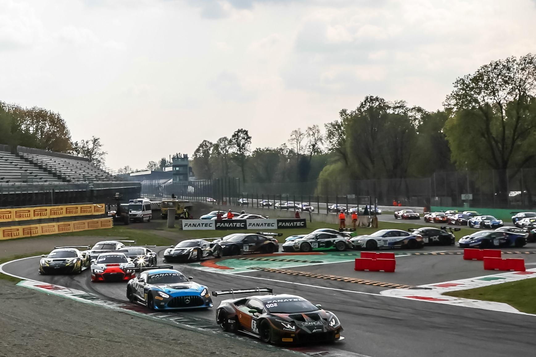 FFF Racing Lamborghini leads GTWCE Monza 2021