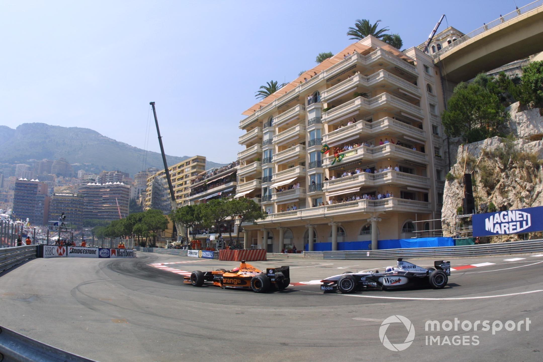 Enrique Bernoldi (Arrows A22 Asiatech) followed by David Coulthard (McLaren MP4/16 Mercedes), 2001 Monaco GP