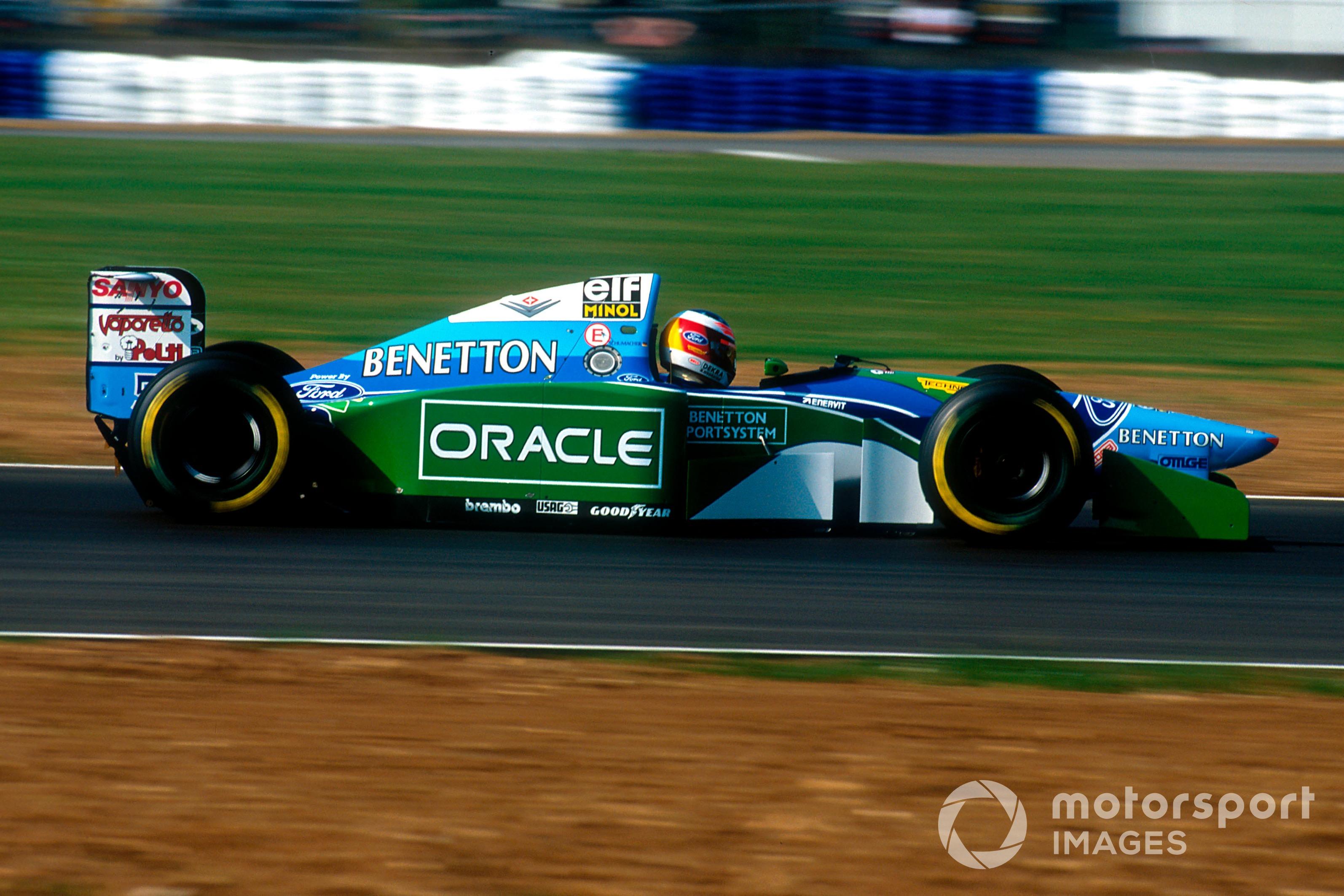 Michael Schumacher (Benetton B194 Ford) luego de haber sido descalificado.