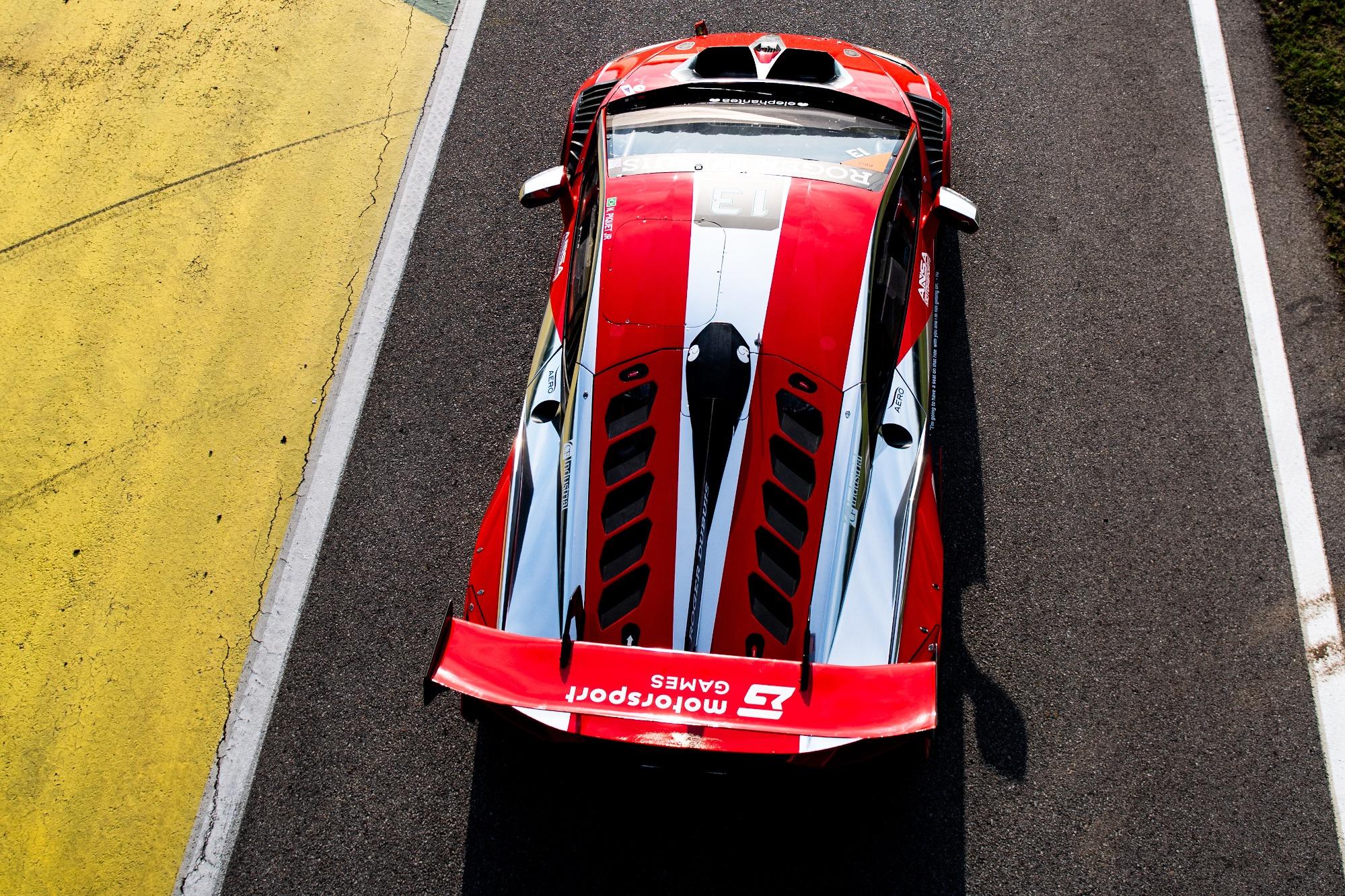 Piquet has taken on his latest challenge in one-make Lamborghini racing