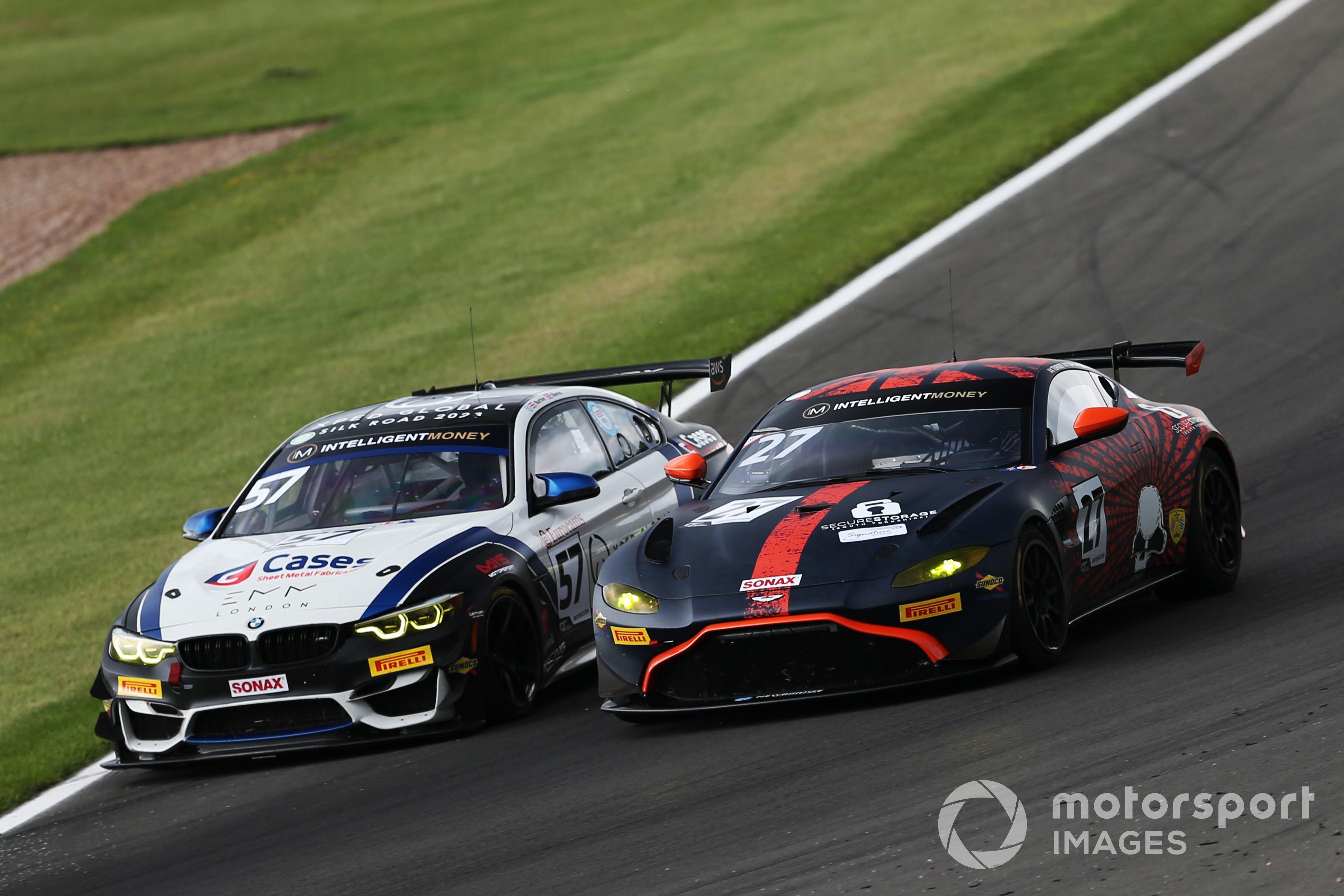 Will Burns/Gus Burton (BMW M4 GT4), Matt Topham/Darren Burke (Aston Martin Vantage GT4), British GT Donington Park 2021