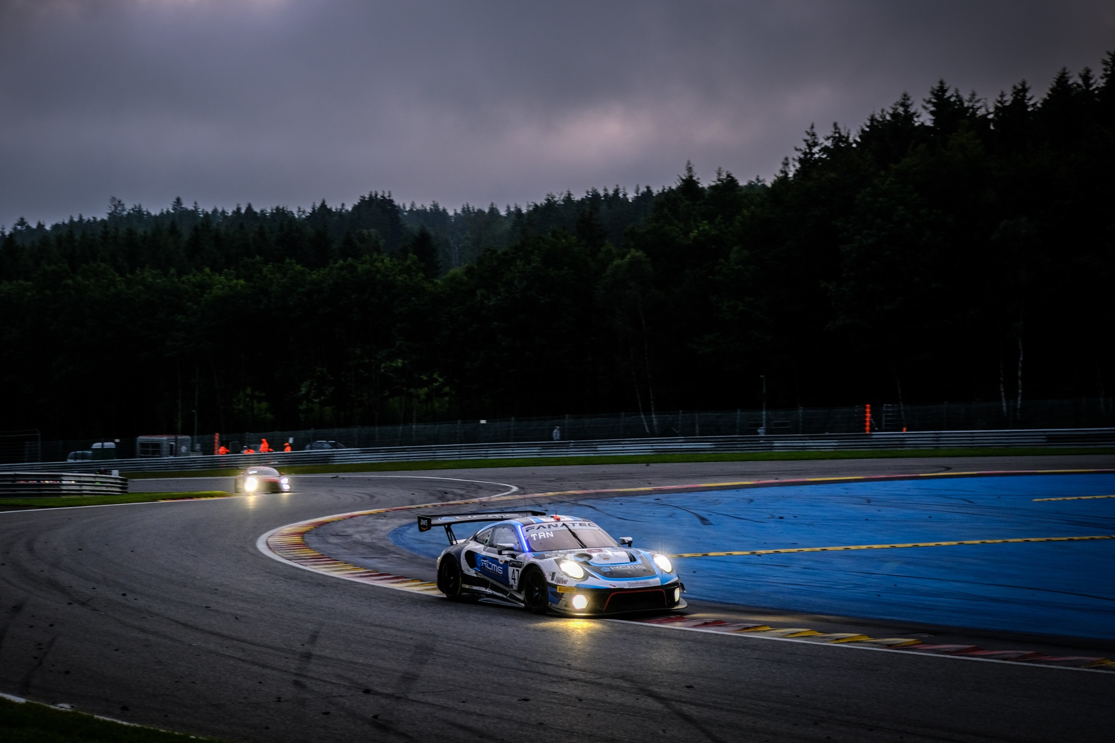 KCMG Porsche will run to the end with Martin and Tandy alternating