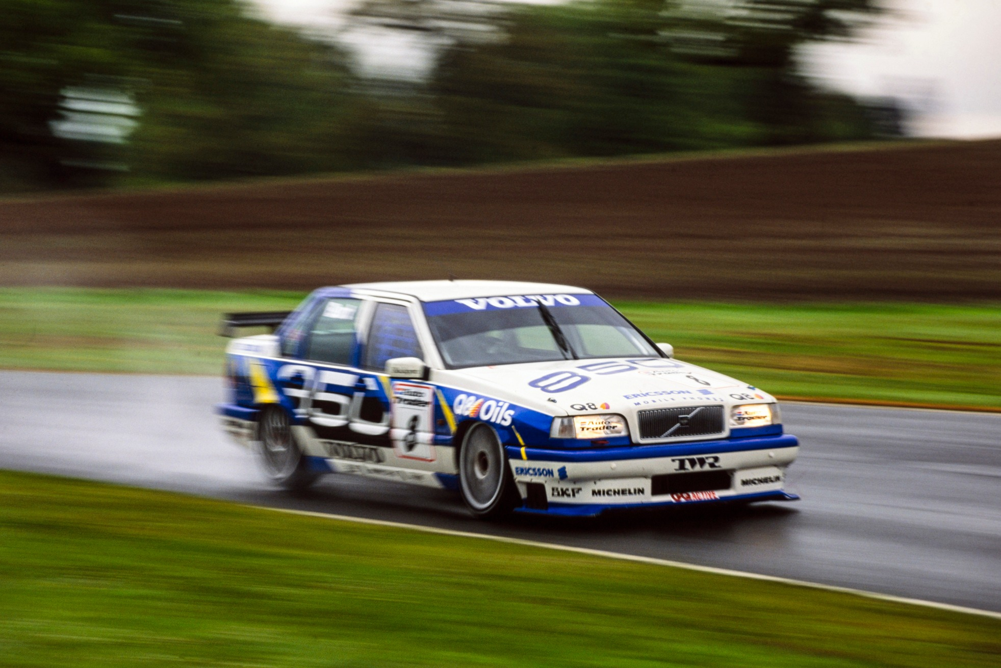 Burt's Oulton Park shunt created a vacancy for Davies, who found the Volvo particularly edgy to drive