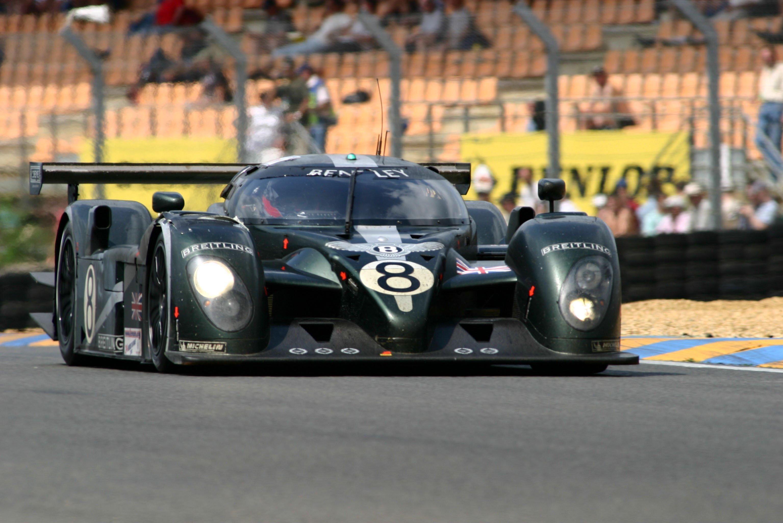 Bentley Speed 8 en las 24 Horas de Le Mans de 2003.