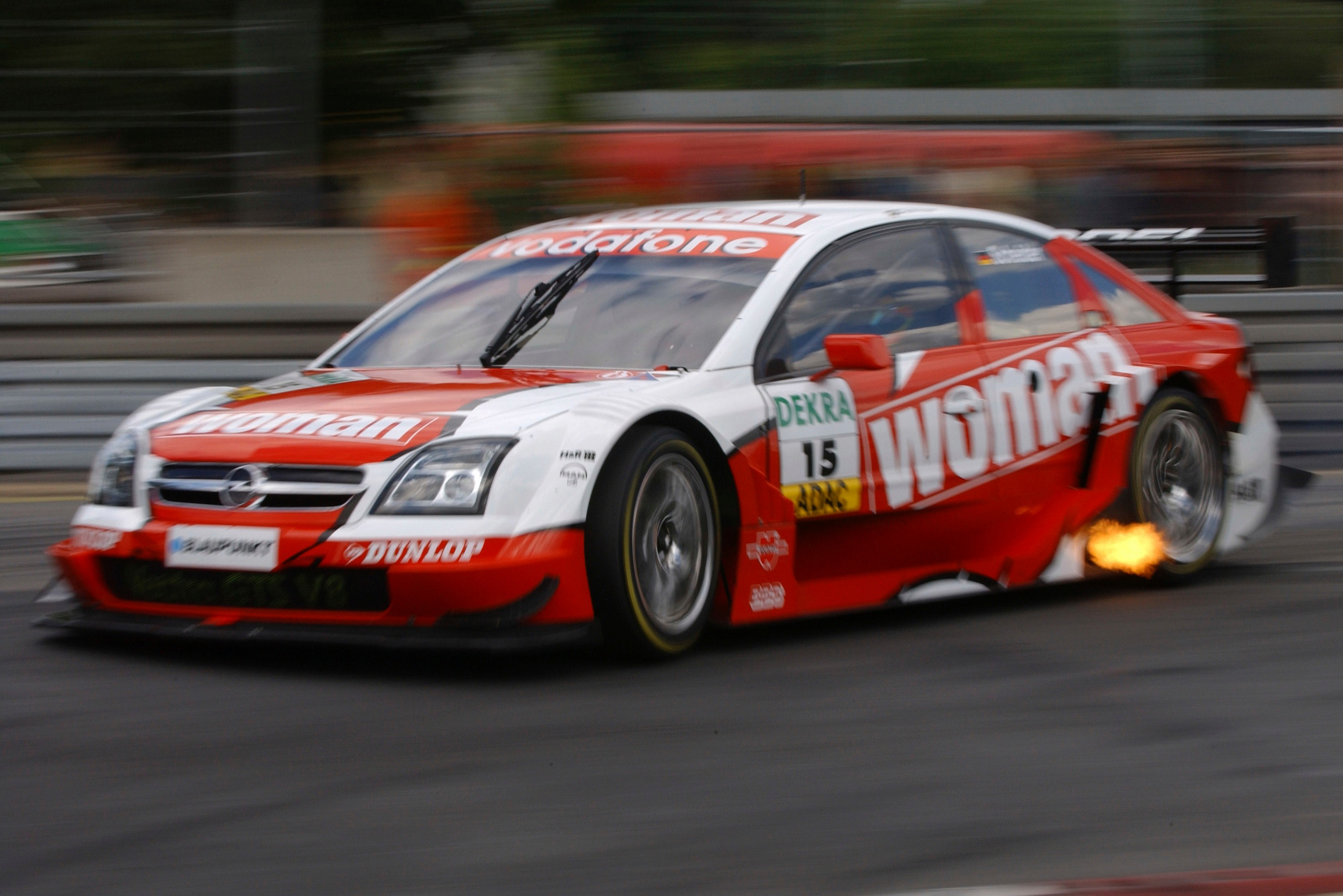 Goodfield forged a good relationship with Scheider, who finished as the best Opel driver in the Vectra's first year in 2004