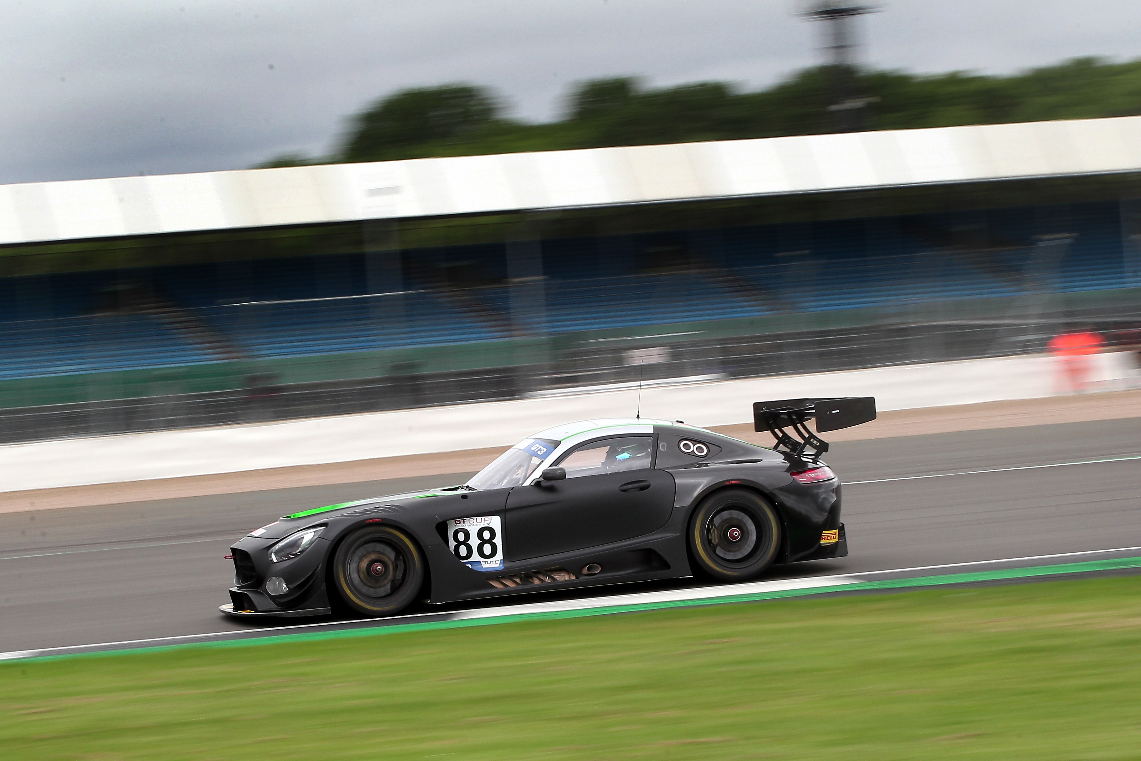 Richard/Sam Neary (Mercedes-AMG) GT Cup, Silverstone 2021