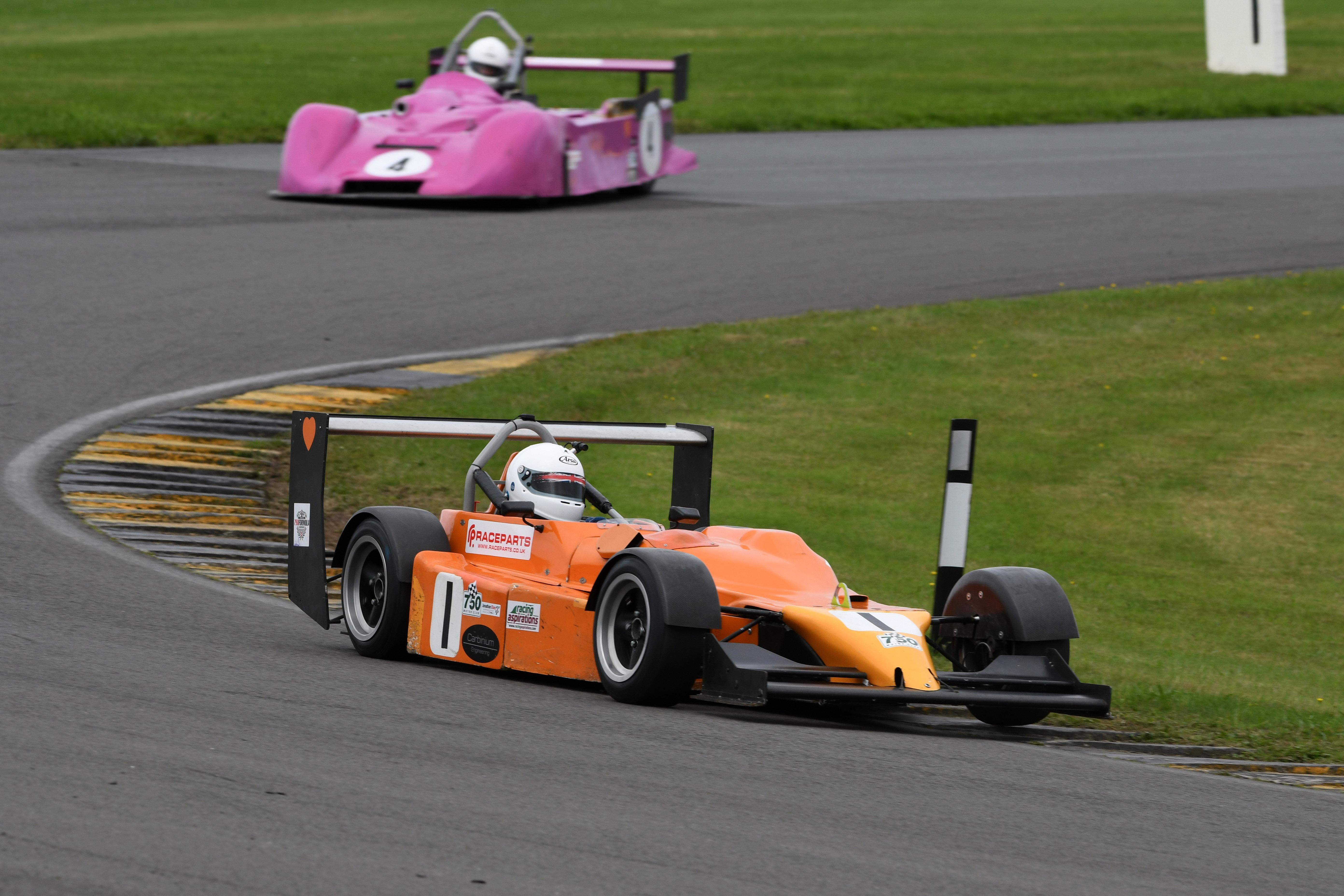 Reigning champion Peter Bove took a double 750 Formula win