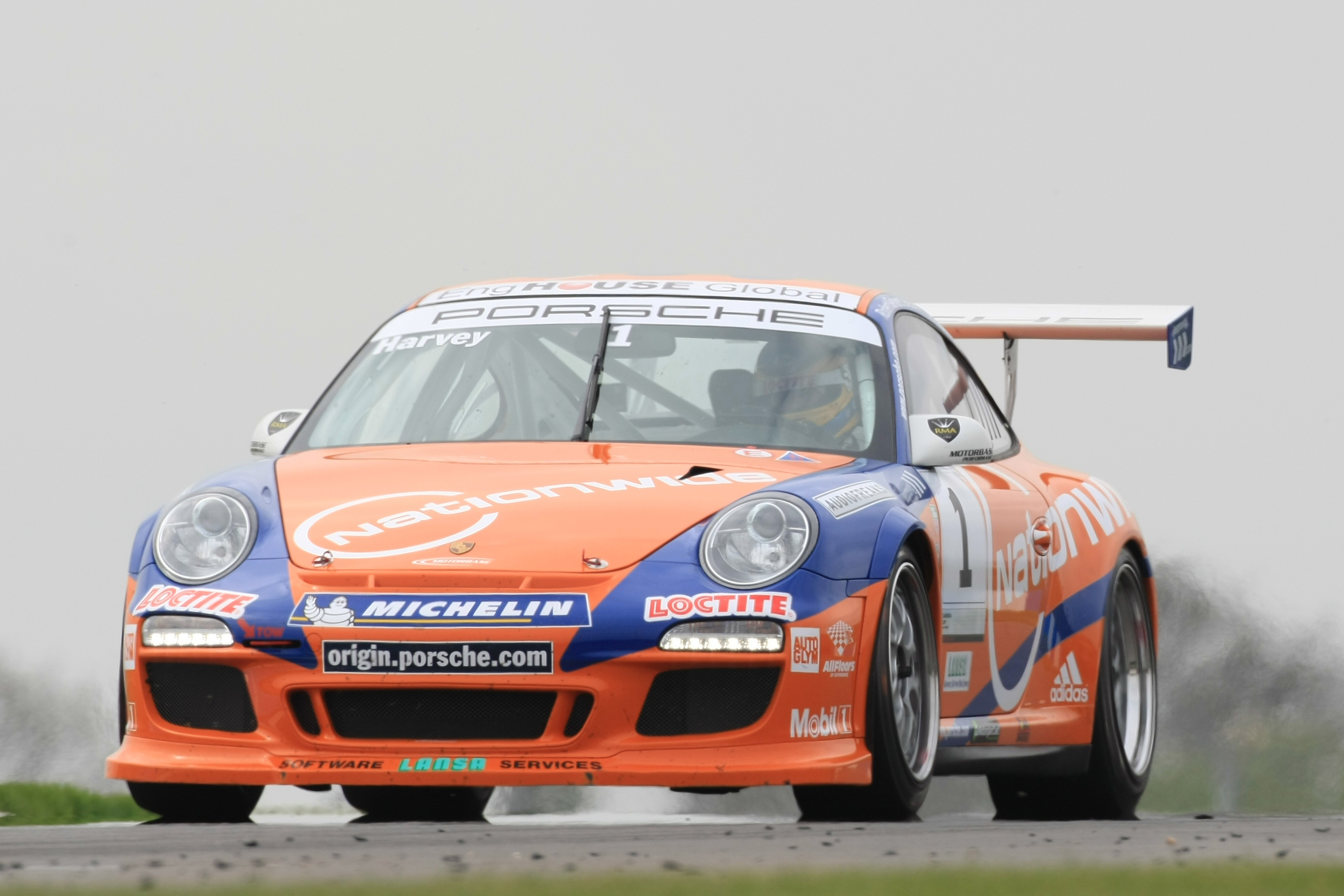 Tim Harvey (GBR) Motorbase Porsche Carrera Cup, Donington, 2011