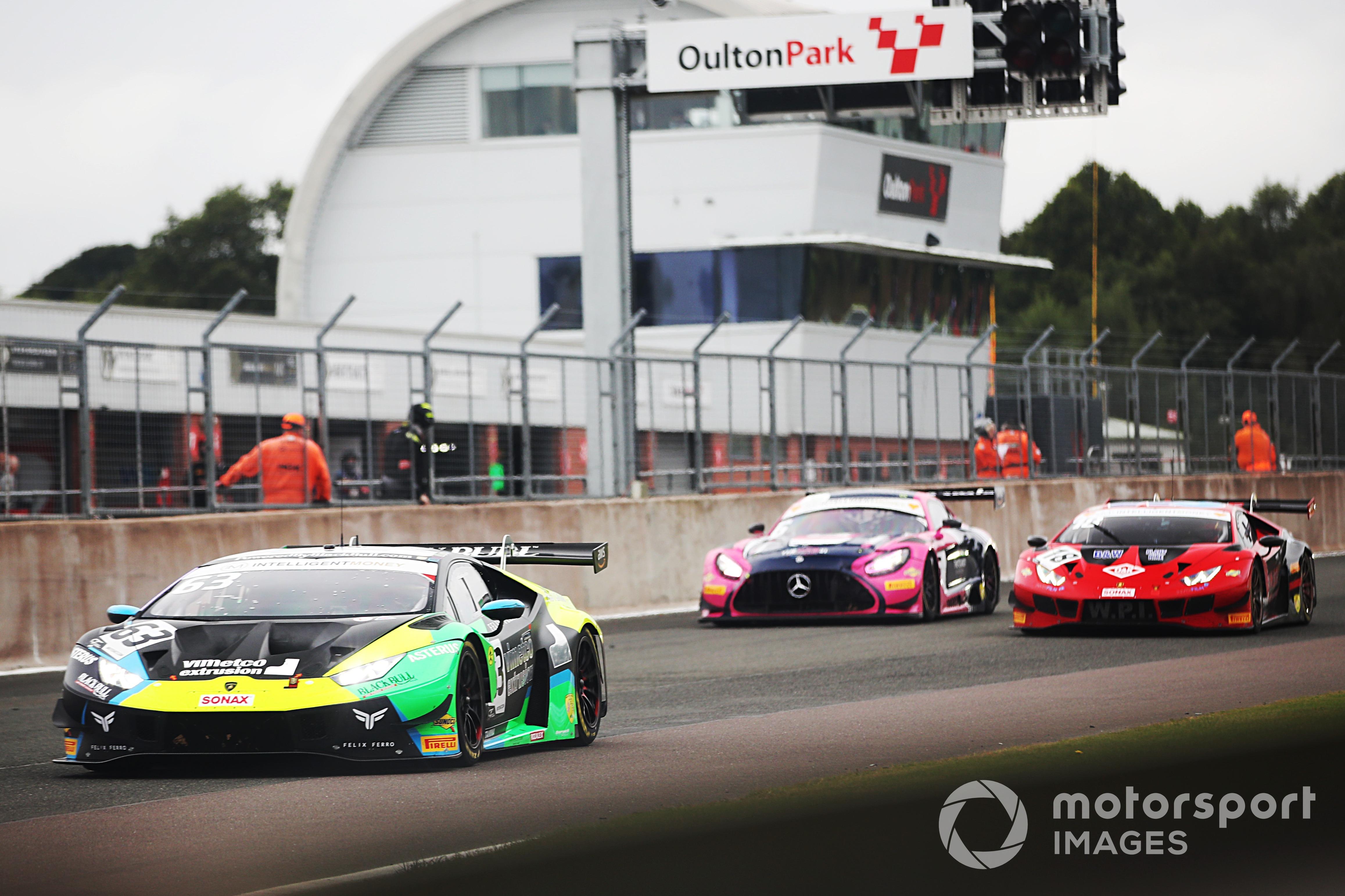 Leo Machitski/Dennis Lind (Lamborghini Huracan GT3 EVO) British GT, Oulton Park 2021