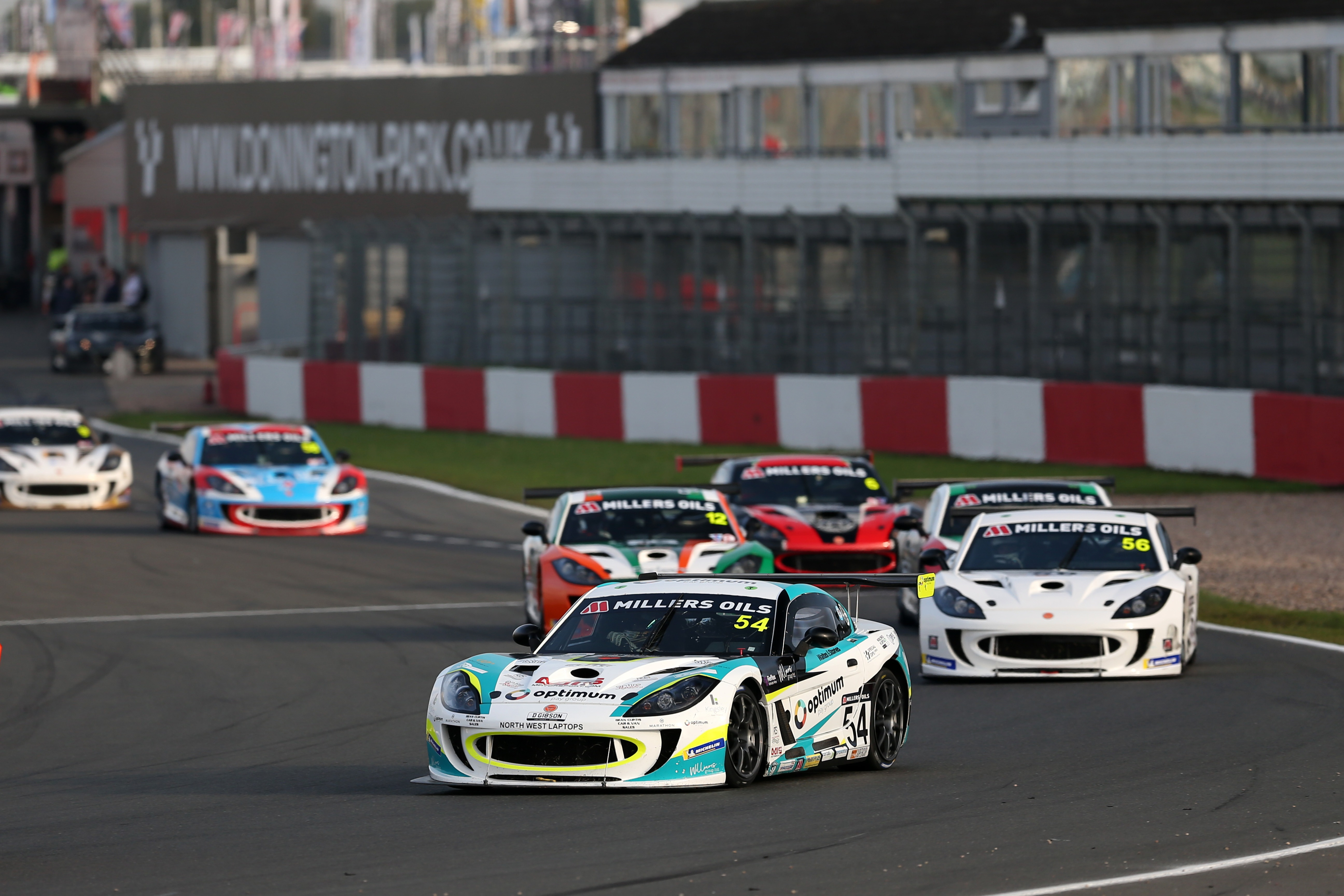 Smalley took advantage of Hibbert's woes to extend Ginetta GT4 Supercup lead