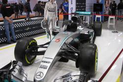 Mercedes AMG F1 W07, la presentazione