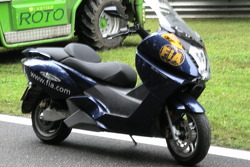 Maxi scooter FIA