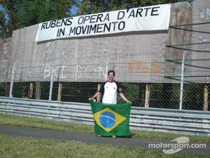 I celebrate the victory of Rubens Barrichello