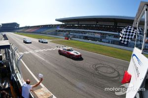 ADAC GT Masters Race 2 - Stuck / Stuck loosing the victory in the last lap and finish on P5