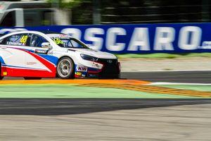 #68 Yann Ehrlacher - RC Motorsport