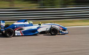 #25 Julia Pankiewicz - Mark Burdett Motorsport