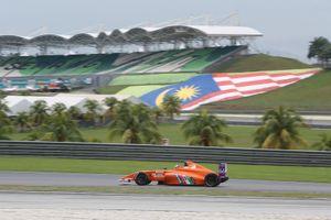 Daniel Frost, ganador de la carrera de F4 en la que todos los coches se quedaron sin combustible