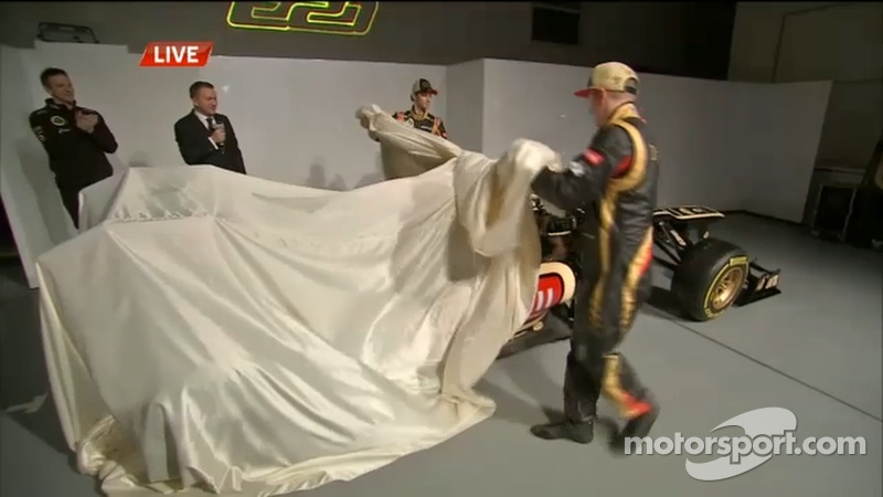 Raikkonen and Grosjean unveil Lotus E21