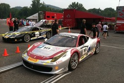 Jim Weiland's 458 going on the scales