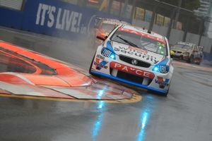 A Wet Turn 1 for Moffat