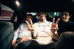 توتو وولف، مدير فريق مرسيدس ولويس هاميلتون، مرسيدس ونيكي لاودا، المدير غير التنفيذي لفريق مرسيدس
